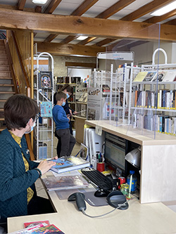 bibliothèque de Laroque-Timbaut